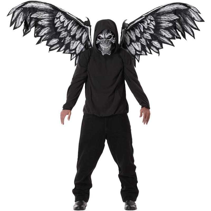 Gefallene Engel mit Flügel