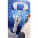 Spielzeug Raumschiff mit Fallschirm